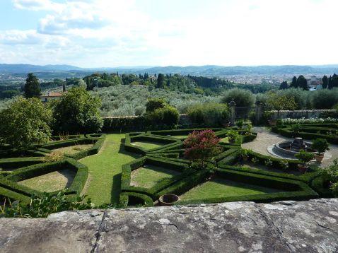 italian garden at Villa di Maiano